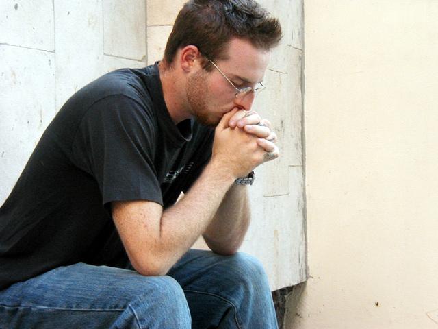 man-praying-1432855-640x480.jpg